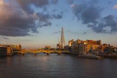 Orizzonte di Londra con il coccio Fotografie Stock
