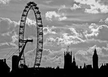Orizzonte di Londra nel nero Immagini Stock Libere da Diritti