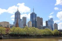 Orizzonte di luce del giorno del centro di Melbourne Immagini Stock