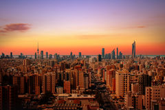 Orizzonte di Madinat al-Kuwait immagine stock libera da diritti