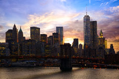 Orizzonte di Manhattan al tramonto Fotografie Stock