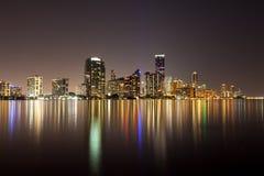 Orizzonte di Miami di notte Immagini Stock Libere da Diritti