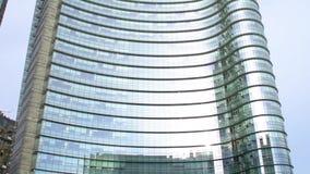 Orizzonte di Milano con i grattacieli moderni video d archivio