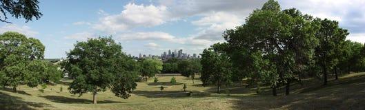 Orizzonte di Minneapolis dal parco di Ciao-vista Immagine Stock