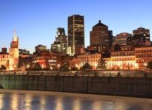 Orizzonte di Montreal al crepuscolo Fotografia Stock Libera da Diritti