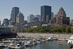 Orizzonte di Montreal osservato da lungomare fotografia stock