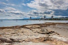 Orizzonte di Nanaimo dall'isola di Newcastle fotografie stock