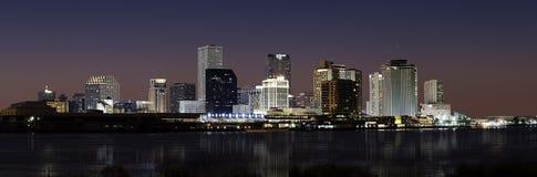 Orizzonte di New Orleans alla notte Fotografia Stock