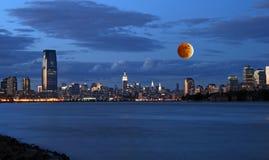Orizzonte di New York City del Th Fotografie Stock