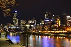 Orizzonte di notte del centro di Melbourne Fotografia Stock Libera da Diritti