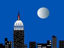 Orizzonte di Nyc con la luna piena Immagini Stock Libere da Diritti