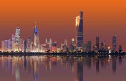 Orizzonte di paesaggio urbano del Kuwait fotografia stock libera da diritti