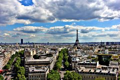 Orizzonte di paesaggio urbano di Parigi di primavera Fotografia Stock Libera da Diritti