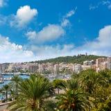 Orizzonte di Palma de Majorca con il castello di Bellver Immagini Stock