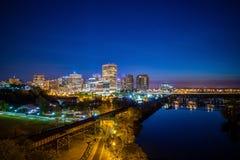 Orizzonte di Richmond del centro, la Virginia immagini stock libere da diritti