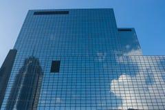 Orizzonte di Rotterdam con gli edifici per uffici Immagine Stock