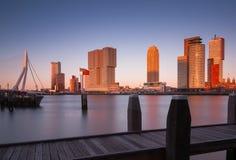 Orizzonte di Rotterdam dopo il tramonto Fotografia Stock Libera da Diritti