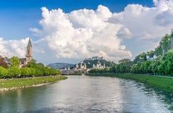 Orizzonte di Salisburgo con la fortezza di estate, terra di Salzburger, Austria Immagine Stock Libera da Diritti