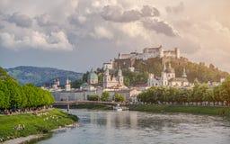 Orizzonte di Salisburgo con la fortezza di estate, terra di Salzburger, Austria Fotografie Stock
