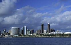 Orizzonte di San Diego dall'isola di Coronado Fotografie Stock Libere da Diritti