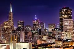 Orizzonte di San Francisco al crepuscolo Fotografia Stock
