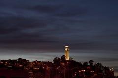 Orizzonte di San Francisco con la torretta di Coit Fotografia Stock