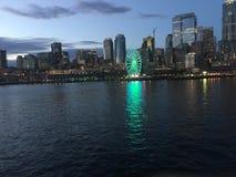 Orizzonte di Seattle alla notte Immagine Stock Libera da Diritti