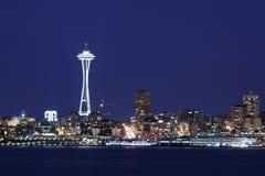 Orizzonte di Seattle a penombra Fotografie Stock Libere da Diritti