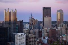Orizzonte di sera di Pittsburgh Immagine Stock