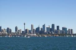 Orizzonte di Sydney Australia dal porto Immagini Stock