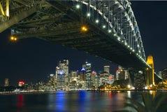 Orizzonte di Sydney e ponticello del porto fotografia stock