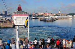Orizzonte di Tallinn dal mare fotografia stock