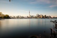 Orizzonte di Toronto al crepuscolo Immagini Stock