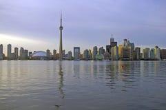 Orizzonte di Toronto da acqua Fotografia Stock