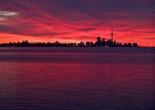Orizzonte di Toronto prima di alba Fotografia Stock