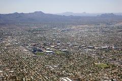 Orizzonte di Tucson con la città universitaria Fotografie Stock