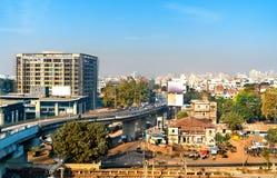 Orizzonte di Vadodara, precedentemente conosciuto come Baroda, la terza più grande città nel Gujarat, India fotografia stock