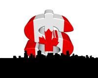Orizzonte di Vancouver con la bandierina canadese Immagini Stock