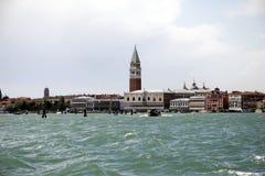 Orizzonte di Venezia, Italia - da Murano immagine stock libera da diritti