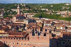 Orizzonte di Verona, Italia dalla torretta di Lamberti Fotografia Stock Libera da Diritti