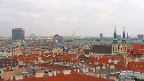 Orizzonte di Vienna, Austria Vista aerea di Vienna al rallentatore l'austria Vienna Wien è la città capitale e più grande di stock footage