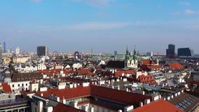 Orizzonte di Vienna, Austria Vista aerea di Vienna l'austria Vienna Wien è la città capitale e più grande dell'Austria ed una video d archivio