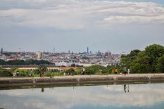 Orizzonte di Vienna da Schonbrunn fotografia stock