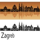 Orizzonte di Zagabria nel fondo arancio illustrazione di stock