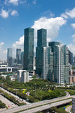 Orizzonte e strada principale moderni della città a Shenzhen Fotografia Stock Libera da Diritti
