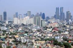 Orizzonte Filippine della città di makati di espansione urbana Immagini Stock Libere da Diritti
