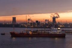 Orizzonte industriale - guscio - l'Inghilterra immagine stock libera da diritti
