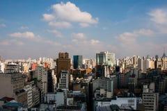 Orizzonte metropolitano di San Paolo, Brasile immagini stock libere da diritti