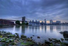 Orizzonte tempestoso di New York City Fotografie Stock Libere da Diritti