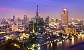 Orizzonte urbano della città di notte, Bangkok, Tailandia Fotografia Stock